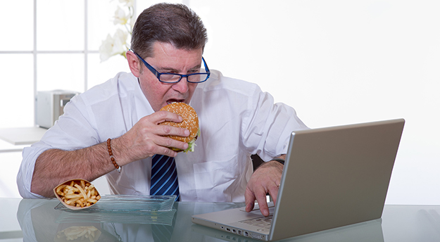 Distracted eating may be why you can't lose weight